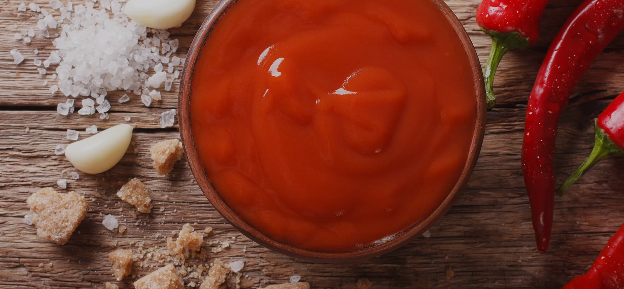 Image of a serving or sriracha sauce